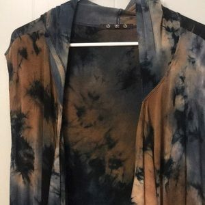 Coin 1904 tie dyed hooded duster with pockets